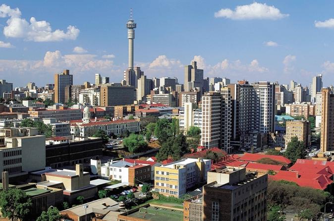 Excursão a pé por Joanesburgo: mirante de Carlton Centre e Tradicional Mercado de Curandeiros Mai Mai