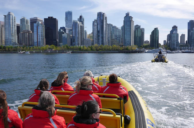 Downtown vancouver sightseeing cruise in a zodiac vessel in vancouver 161231
