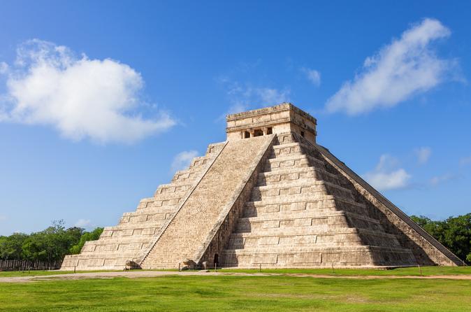 Exclusivo da Viator: acesso antecipado a Chichén Itzá partindo de Playa del Carmen com um arqueólogo