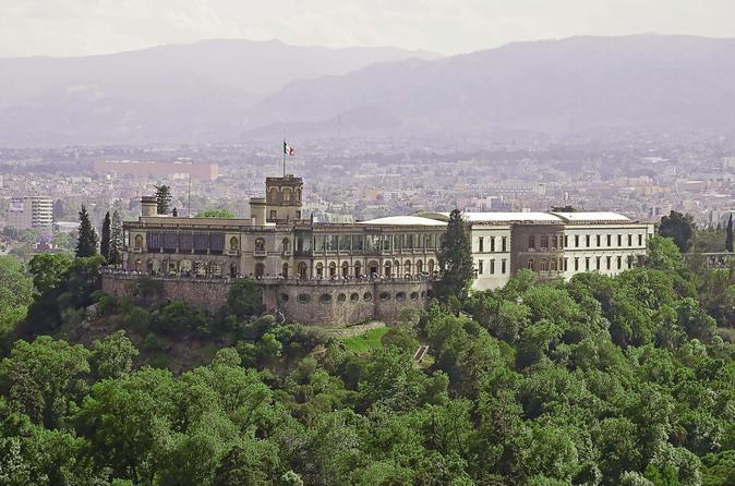 Exclusivo da Viator: acesso antecipado ao Castelo de Chapultepec além do Museu Nacional de Antropologia na Cidade do México
