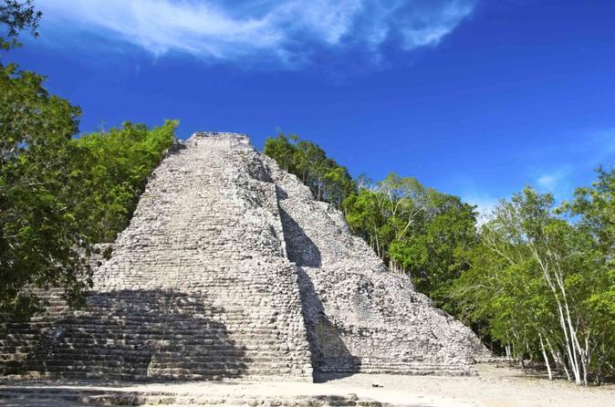 Exclusivo da Viator: Excursão com acesso antecipado às ruínas de Coba com um arqueólogo saindo de Playa del Carmen