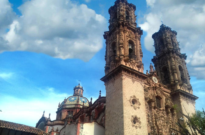 Mexico City Super Saver: Puebla and Cholula Plus Taxco and Cuernavaca Day Trips