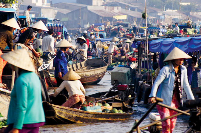 4-Day Southern Vietnam Tour: Ho Chi Minh City Sightseeing Tour, Mekong Delta Cruise and Cu Chi Tunnels
