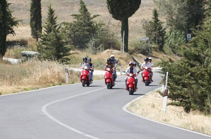 Full-Day Chianti Tour by Vespa with Shuttle from Lucca