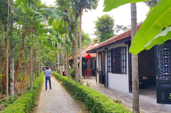 THUY BIEU VILLAGE AND TAM-GIANG LAGOON TOUR - Hue