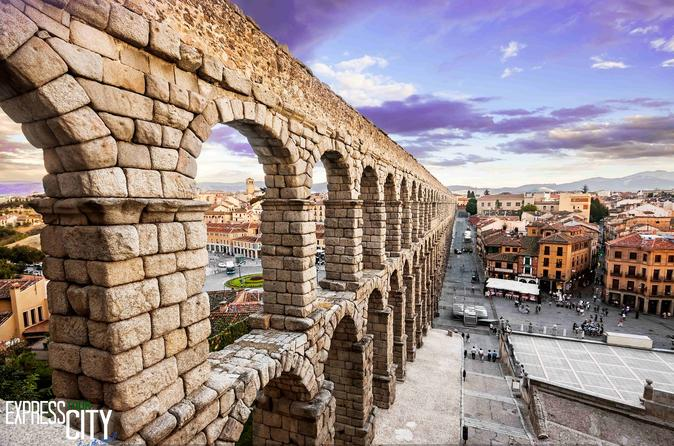 Enjoy an half day trip to majestic Segovia with official guided tour included