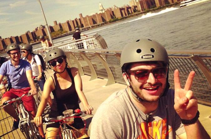 Brooklyn waterfront bike tour in new york 309871