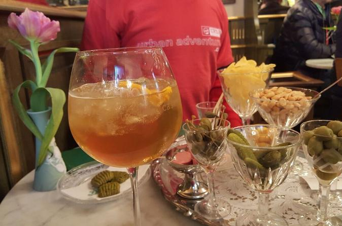 Lucca Aperitivo Tour with Wine Tasting and Food Sampling