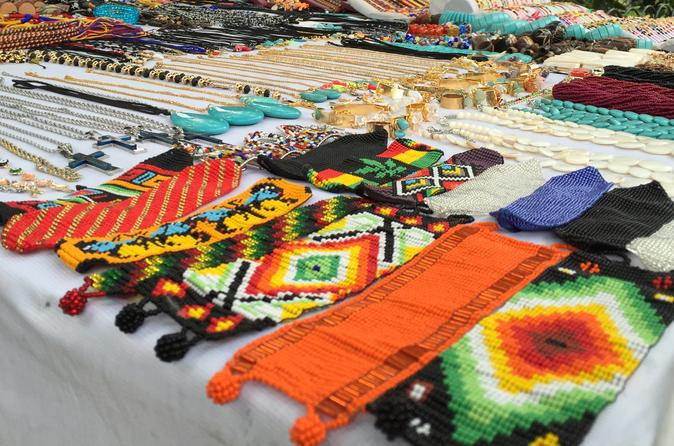 Colombian Handicrafts and Market Tour in Medellín