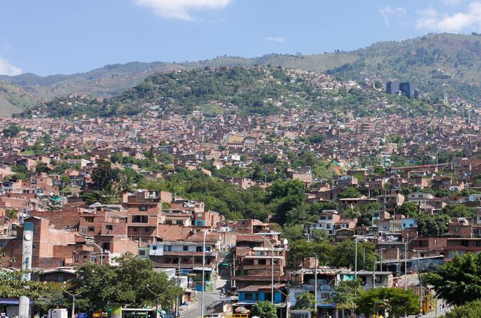 Medellín by Metro: Botero Plaza, Botanical Gardens and Santo Domingo Savio Library