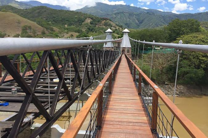 Private Medellin City Sightseeing and Santa Fe de Antioquia Tour
