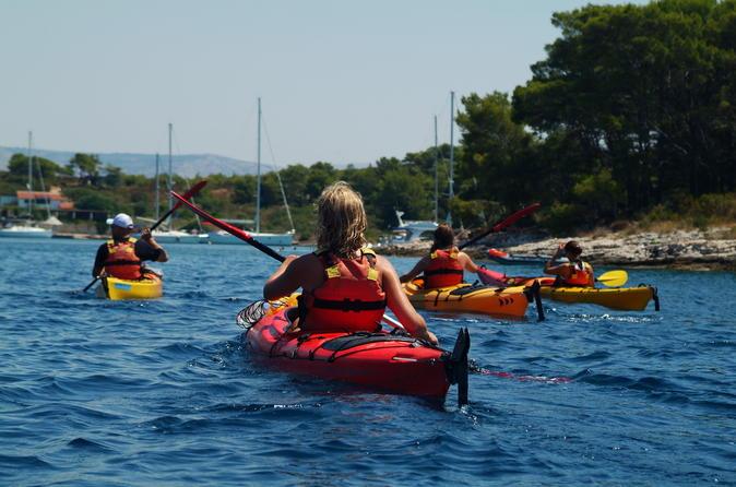 Excursão de caiaque saindo Split: Península Marjan, Ilhas Ciovo ou Hvar