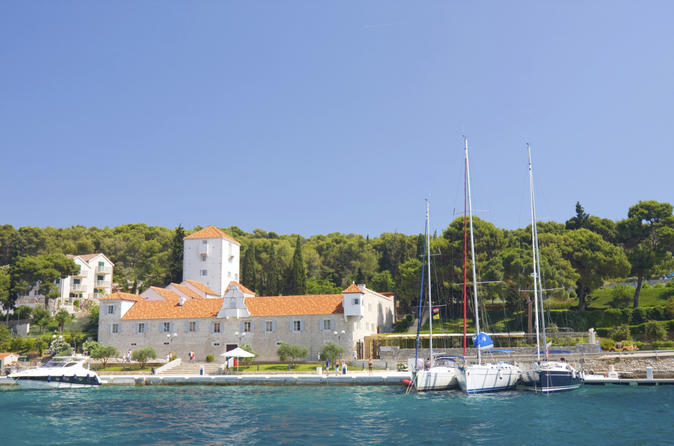 Solta Island Day Trip from Split: Sightseeing and Food Tour by Electric Bike
