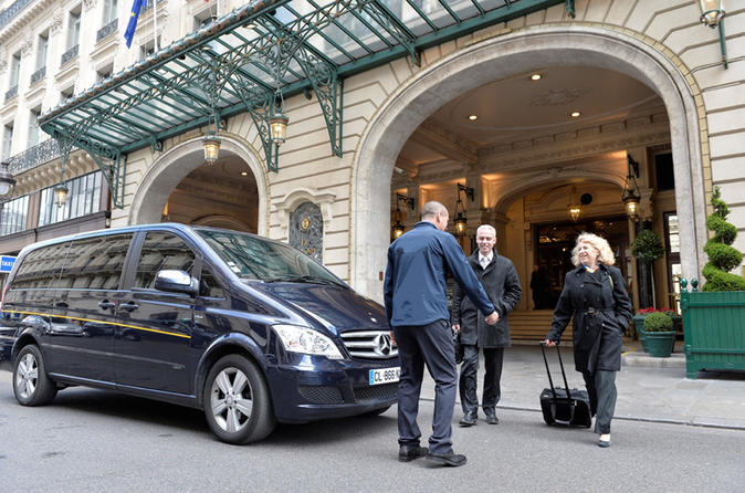 Arrival Private Transfer from Paris Charles de Gaulle Airport (CDG) to Paris and Paris suburb