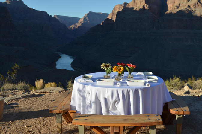 Viator vip grand canyon by helicopter with gourmet breakfast in las vegas 170151