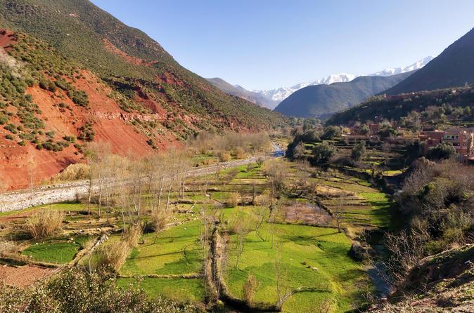 Excursion d'une journée dans le massif de l'Atlas au départ de Marrakech avec en option la visite du lac de Takerkoust et du plateau de Kik