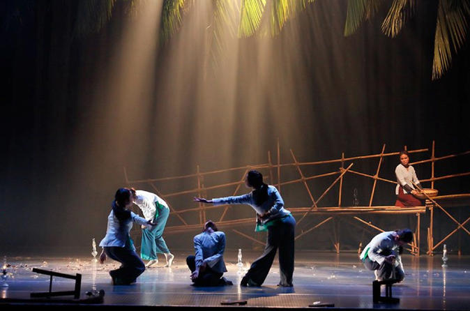 THE MIST DANCE SHOW IN SAIGON WITH ROUNDTRIP TRANSFER""