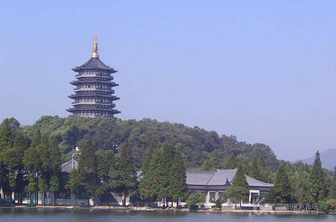 Cultural Hangzhou Day Tour: Leifeng Pagoda, China National Silk Museum and Qinghefang Cultural Street