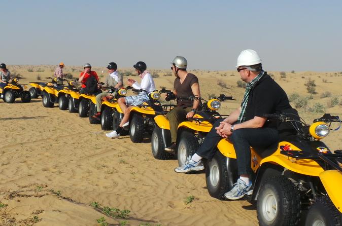 Zelf rijden met woestijnbuggy of quad plus vervoer vanuit Dubai
