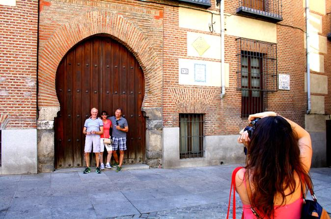 Madrid Walking Tour, Including La Latina and Lavapiés