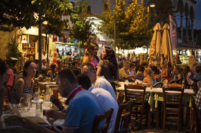 Twilight Athens Small Group Tour with Drinks and Meze Dishes