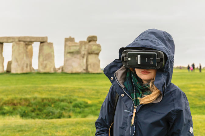 Stonehenge and Bath Tour from London with Virtual Reality Experience