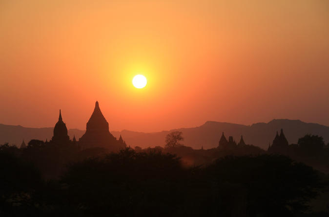 6-Night Private Myanmar Highlights Tour: Bagan, Inle Lake and Yangon