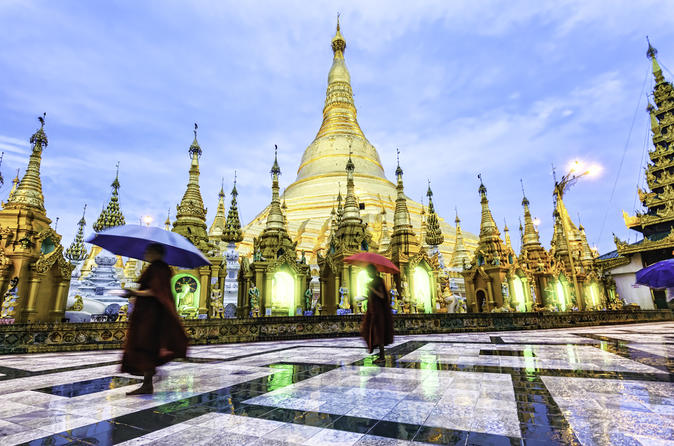 Shwedagon pagoda walking tour in yangon 147804