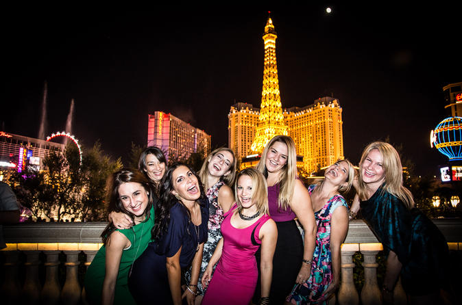 Exclusive: Las Vegas Strip by Limo with Personal Photographer