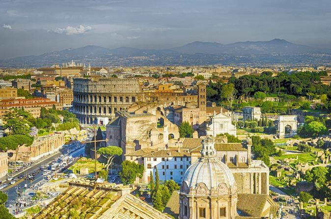 The Colosseum's best sightseeing tour and the main squares in Rome