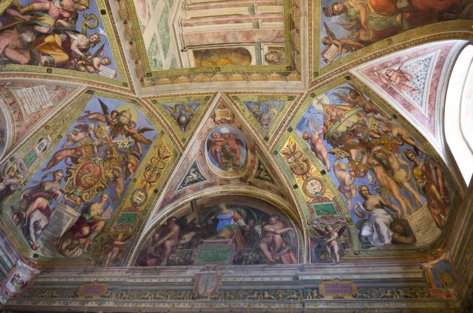 Vatican City Walking Tour in Rome