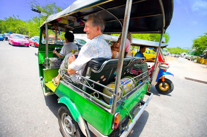 Bangcoc em movimento: City Tour por trem aéreo, barco e Tuk Tuk