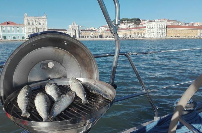 TAGUS CRUISE WITH SARDINE LUNCH - Lisbon