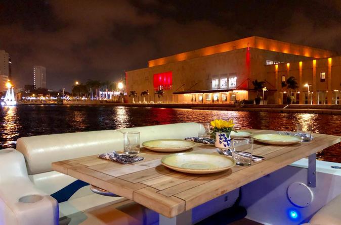 Cruzeiro de portos em Cartagena com o Sibarita Express com jantar e vinho