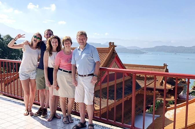 Sun Moon Lake 1-Day Leisure Tour from Taipei