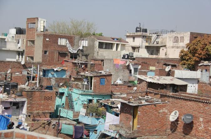 Small group delhi slum tour sanjay colony in delhi 160117