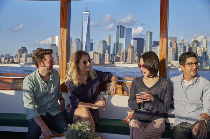 1920s-Style 1-Hour Harbor Sightseeing Cruise - New York City