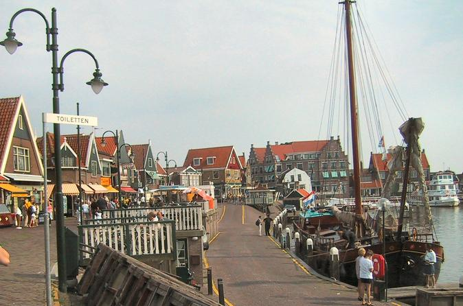 Private Full-Day North of Holland Tour by Public Transport from Amsterdam