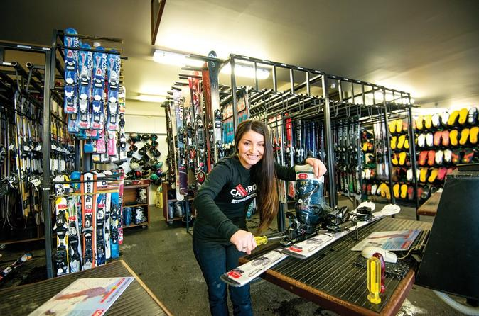 Cardrona Ski Pass & Rental Package - Wanaka
