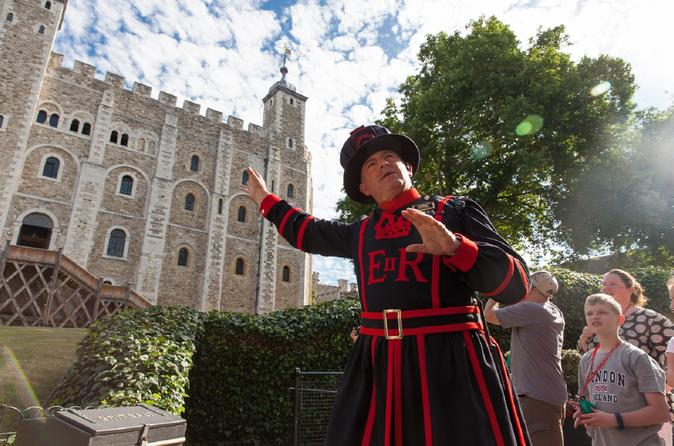 Best of Royal London Tour Including Tower of London with Small-Group Windsor Castle Tour by Train