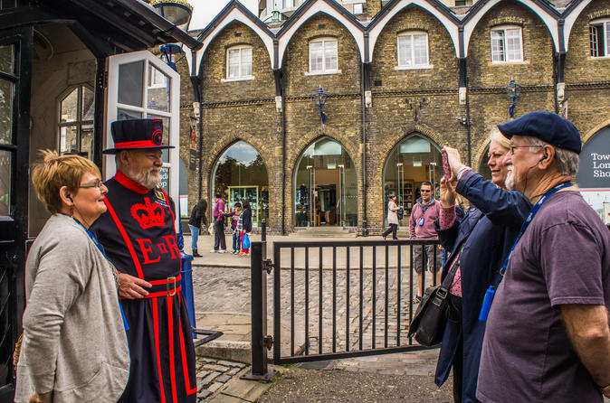 Royal london walking tour including early access to the tower of in london 171991