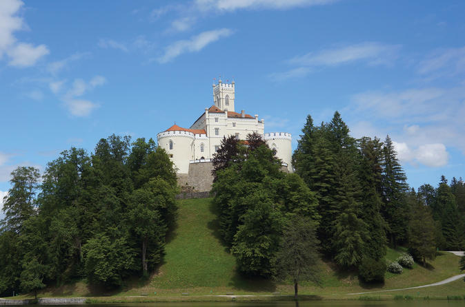 Trakoscan Castle And Varazdin Tour From Zagreb