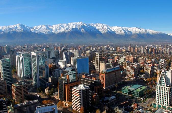 Opção supereconômica para Santiago: excursão turística de 2 dias e excursão vinícola de Concha y Toro