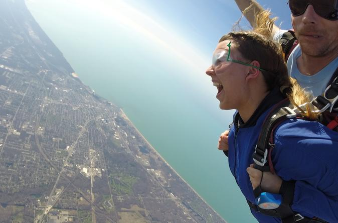 Tandem Skydiving Erfahrung in Chicago