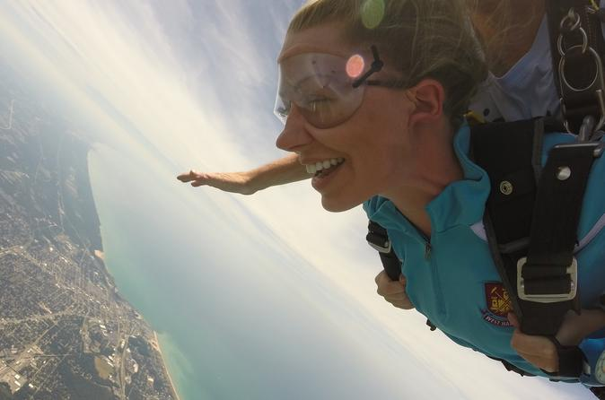 VIP Skydiving Experience in Chicago