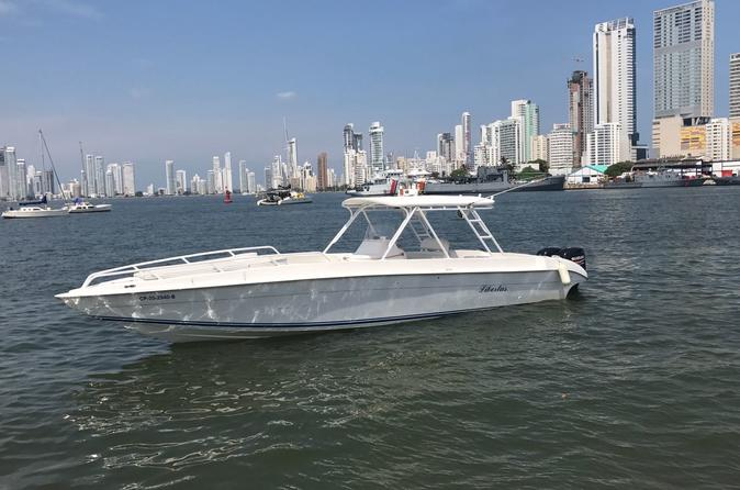 LUXURIOUS YACHT AND BOAT RENTAL