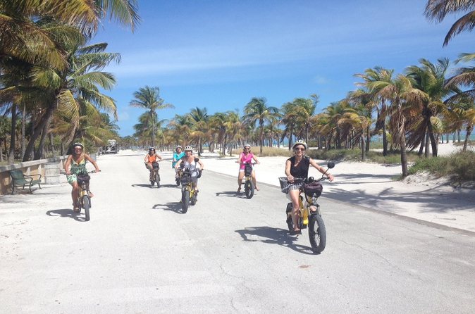 Recorrido en bicicleta eléctrica guiado de Key Biscayne o South Beach