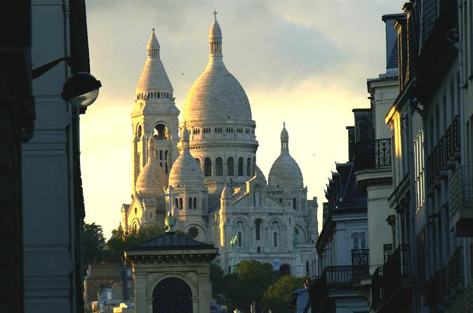 Private Guided Walking Tour: Montmartre Including Sacre Coeur Interior