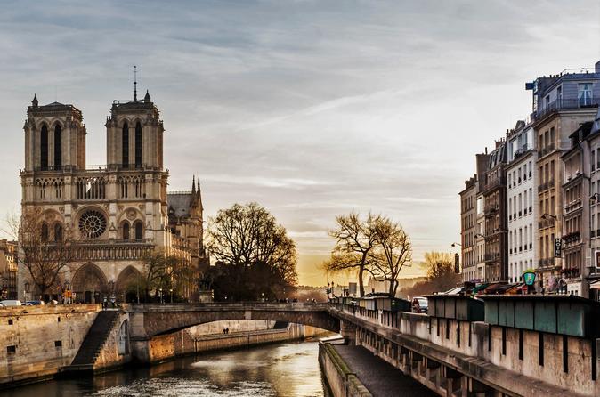 Private Guided Walking Tour Paris City Center Including Notre-Dame Interior