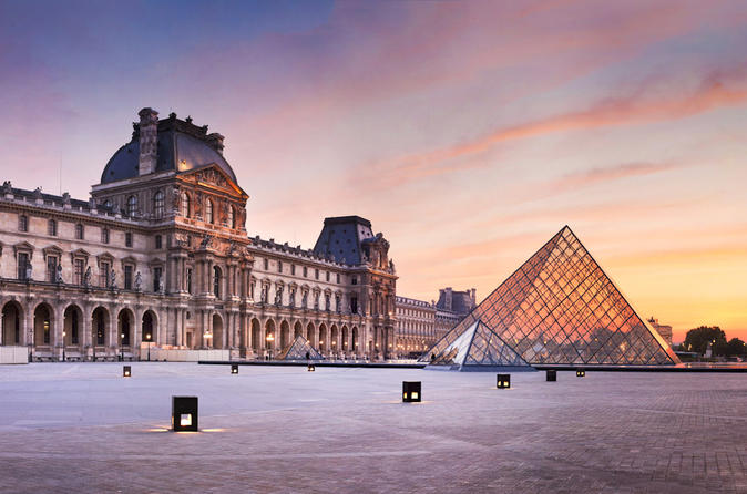 Semi Private Tour: Skip-the-Line Louvre Museum Must See Tour